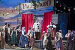 Scène uit Pagliacci bij de Sarasota Opera (foto: Rod Millington).