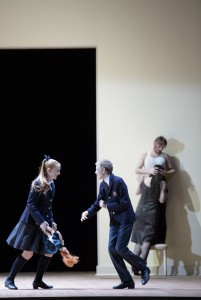 Scène uit The Turn of the Screw (foto: Monika Rittershaus).