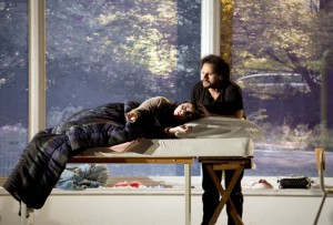 Scène uit de vierde akte van La bohème (foto: Monika Rittershaus).