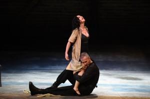 Alex Penda als Carmen (foto: Hans Jörg Michel).