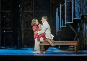 Danielle de Niese en Erwin Schrott in Le nozze di Figaro (foto: Ken Howard / Metropolitan Opera).