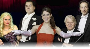 Promotiebeeld van 'Wien bleibt Wien', met in het midden sopraan Maartje Rammeloo.