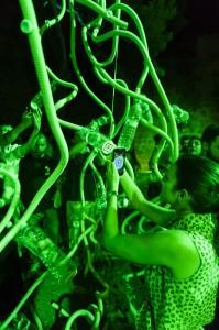 Scène uit de voorstelling M.U.R.S. (foto: Josep Aznar).