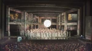 Er komen vaak honderden mensen aan te pas om een productie op het toneel van De Nationale Opera te zetten (scène foto uit Gurre-Lieder / foto: Ruth Walz).