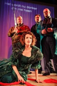 Scène uit Händel Revue, met op de voorgrond Wendy Roobol (foto: Lennart Monaster).