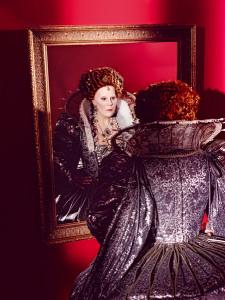 Sondra Radvanovsky als Elisabetta in Roberto Devereux. Radvanovsky zal alle Tudor-koninginnen van Donizetti zingen (foto: Kristian Schuller / Metropolitan Opera).