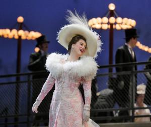 Diana Damrau als Manon bij de Metropolitan Opera (foto: Metropolitan Opera).