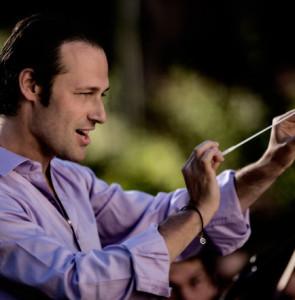Sascha Goetzel leidt sinds 2009 het Borusan Istanbul Philharmonic Orchestra (foto: Sascha Goetzel).