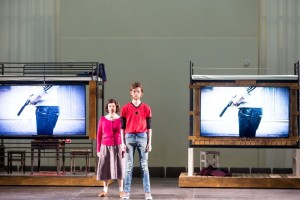 Scène uit Anne en Zef (foto: Ronald Knapp).