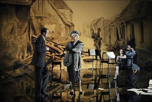 Scène uit Ariadne auf Naxos (foto: Toni Suter / T + T Fotografie).