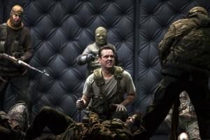 Scène uit Macbeth bij De Nationale Opera (foto: Bernd Uhlig).