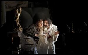 Mariangela Sicilia en John Osborn in Benvenuto Cellini (foto: Clärchen & Matthias Baus).