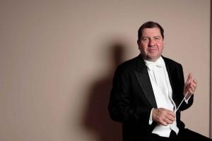 Dirigent Ivor Bolton.