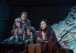 Carmen wordt zowel bij CineMec als Pathé hernomen, met Anita Rachvelishvili in de titelrol (foto: Ken Howard / Metropolitan Opera).