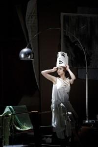 Mojca Erdmann als Lulu bij De Nationale Opera (foto: Clärchen en Matthias Baus).