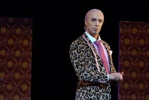 Bart Driessen als Don Basilio in Il barbiere di Siviglia (foto: Theater Dortmund).