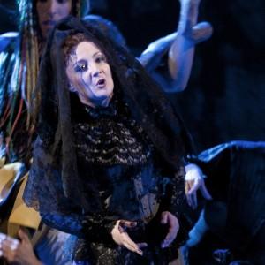 Mariangela Sicilia als Teresa in Benvenuto Cellini. Sicilia was één van de vervangers die Noriega dit seizoen wist te casten (foto: Clärchen & Matthias Baus).