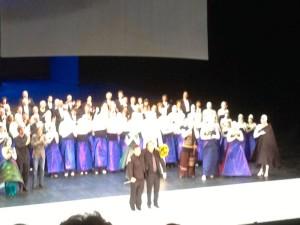 Staande ovatie voor de Generalmusikdirektor en de intendant.