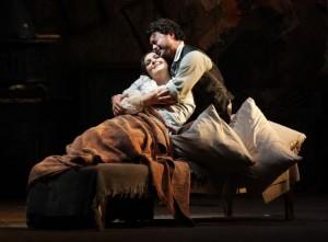 Maria Agresta en Vittorio Grigolo in La bohème (foto: Teatro alla Scala).