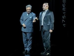 Kwangchul Youn als Daland en Samuel Youn als de Holländer (foto: Bayreuther Festspiele).