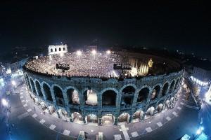 Er zijn nog tot en met 6 september opera's te beleven in de Arena di Verona (foto: Gianfranco Fainello).