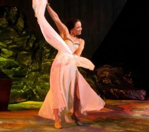 Annemarie Kremer als Salome in het beroemde Teatro di San Carlo in Napels (foto: Gerard Niet).