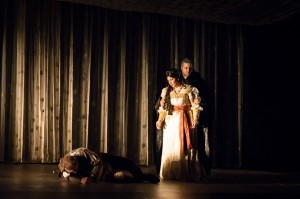 Scène uit Ernani (© Opéra Royal de Wallonie - Lorraine Wauters).