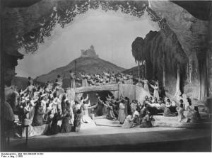 De slotscène van Tannhäuser tijdens de Bayreuther Festspiele van 1930 (foto: Bundesarchiv, Bild 183-2004-0512-501 / CC-BY-SA 3.0).