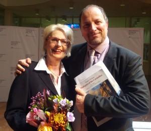 Mezzosopraan Doris Soffel en presentator Hein van Eekert (© Place de l'Opera).