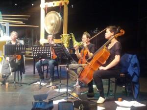 De Zapp4-musici repeteren hun zang (© Place de l'Opera).