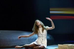 Hannah Hoekstra als Mariken (© Deen van Meer).