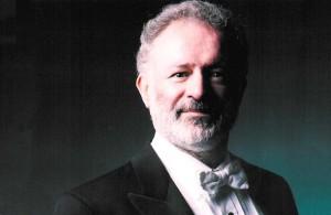 Kenneth Montgomery dirigeert (foto: Marco Borggreve).