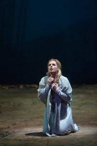 Eva-Maria Westbroek als Elisabeth in Tannhäuser (© Marty Sohl / Metropolitan Opera).