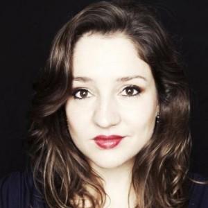 Maria Fiselier zingt de altpartij (© Sarah Wijzenbeek).