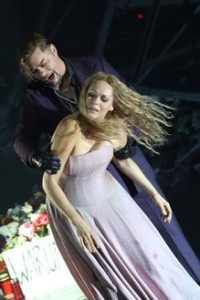 René Pape en Kristine Opolais in Mefistofele (© Wilfried Hösl / Bayerische Staatsoper).