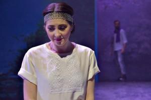 Anna Emelianova overtuigde als jonge zangeres volledig in de rol van het naïeve meisje Gilda (© Morten de Boer).