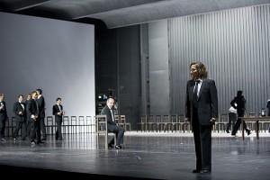 Scène uit Les vêpres Siciliennes bij De Nederlandse Opera, nu Nationale Opera (© Monika Rittershaus).