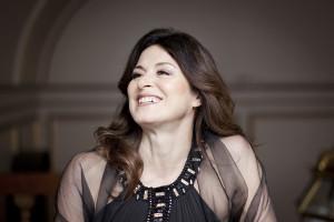 Anna Caterina Antonacci zingt de hoofdrol in beide korte werken. (© Benjamin Ealovega)
