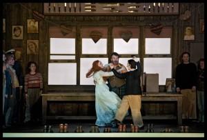 Anett Fritsch, Luca Tittoto en Sarah Connolly in Ariodante bij De Nationale Opera. (© Clärchen & Matthias Baus)