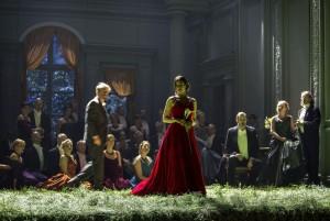 Scène uit Jevgeni Onjegin bij de Komische Oper Berlin. (© Iko Freese / drama-berlin.de)