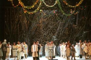 Scène uit La bohème bij de Staatsoper in Berlijn. (© Monika Rittershaus)