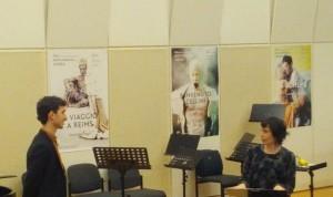 Dominic Kraemer zingt voor. (© Place de l'Opera)