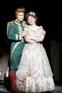 Boris Eder en Anita Götz in Der Kongress tanzt. (© Barbara Pálffy / Volksoper Wien)