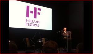 Ruth Mackenzie bij de presentatie van het nieuwe Holland Festival-programma. (© Holland Festival)