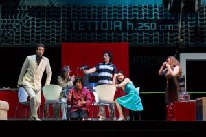 Scène uit La scala di seta. (© Lorraine Wauters / Opéra Royal de Wallonie)