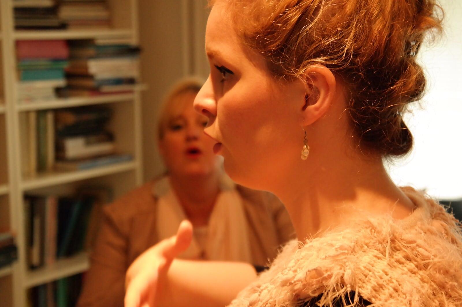 Claudia Patacca in actie. Patacca is hoofdvakdocente zang aan het ArtEZ-conservatorium en geeft veel masterclasses in het buitenland.