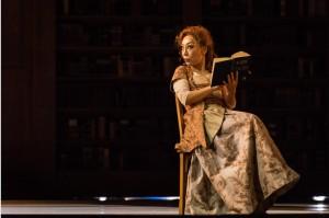 Sumi Jo als Manon Lescaut in Luik. (© Lorraine Wauters / Opéra Royal de Wallonie)
