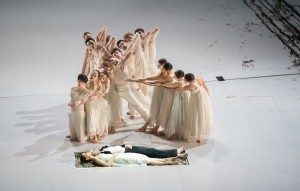 Scène uit Roméo et Juliette. (© De Nationale Opera)