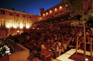 Het Théâtre de l'Archevêché in Aix-en-Provence. (© E. Carecchio)