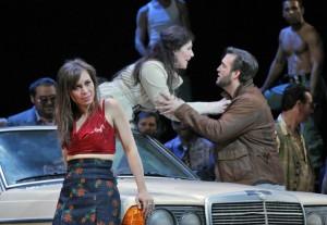 Irene Roberts als Carmen bij de San Francisco Opera. (© Cory Weaver)